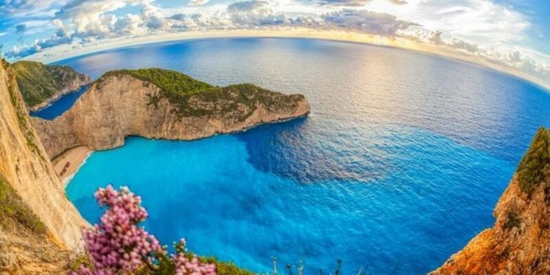 Rüyada Deniz Görmek Ne Anlama Gelir? Rüyada Denizde Yüzmek Neye İşarettir?