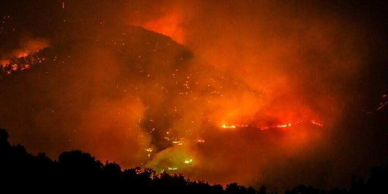 Orman yangınları hangi illerde çıktı? Yangın çıkan şehirlerde son durum: Gündoğmuş, Bodrum, Marmaris, Milas, Manavgat! 4 Ağustos 2021