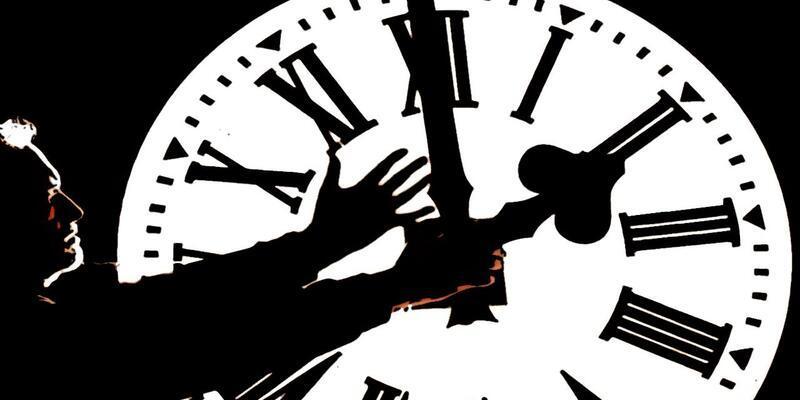 Merak edildi: 02.02 Saat Anlamı Nedir? 02.02 Çift Saatlerin Anlamı Nasıl Yorumlanır?