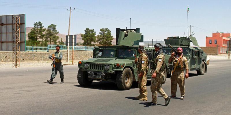 Son dakika... Afgan hükümet güçleri, Taliban'a karşı 6 vilayet merkezinin kontrolünü kaybetti