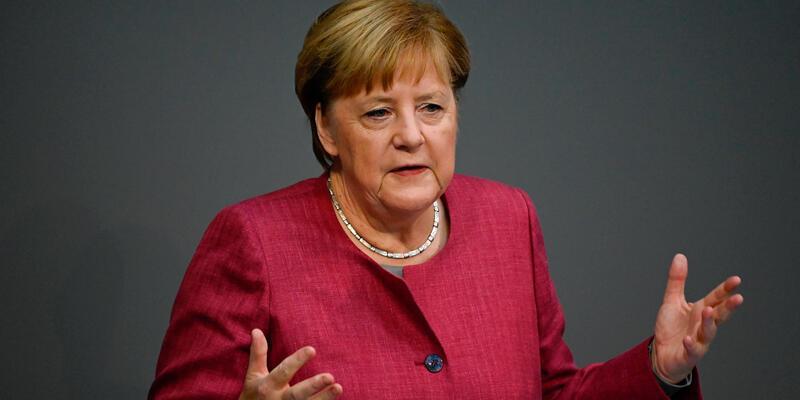 Merkel, Afganistan konusunda Türkiye ile yakından çalışılması gerektiğini söyledi