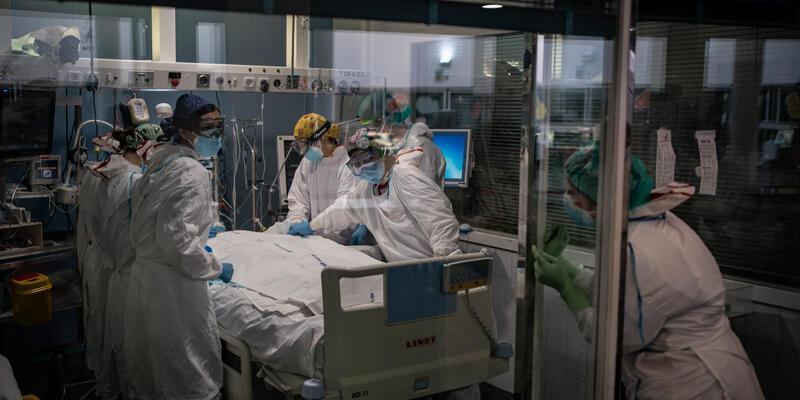 İsrail'de Delta etkisi: Aktif COVID-19 vakası 2 ayda 200'den 50 bine çıktı