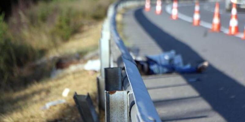 Bariyerlere çarpan motosikletin sürücüsü öldü