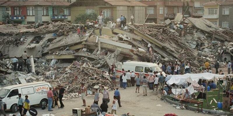 17 Ağustos 1999 depreminde kaç kişi öldü? 17 Ağustos 1999 depremi nerede meydana geldi? 17 Ağustos depremi saat kaçta oldu?