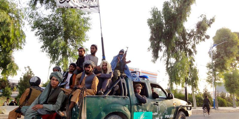 Taliban 'af' ilan etti, kadınlara yönetime katılmaları çağrısı yaptı