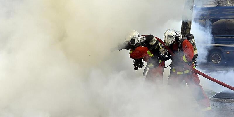 Fransa'nın güneyindeki orman yangını halen kontrol altına alınamadı