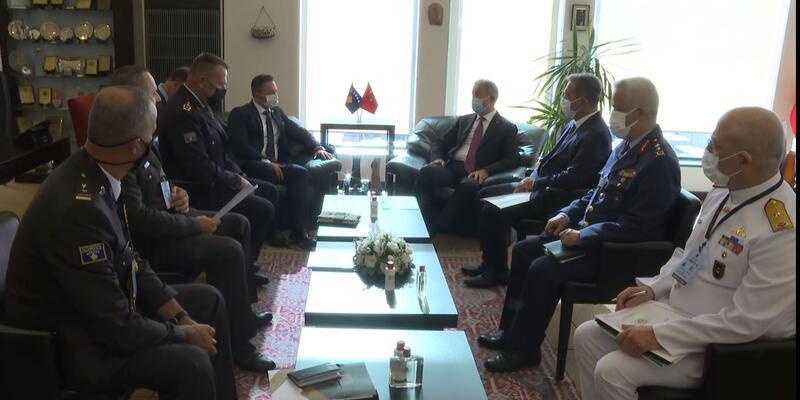 Bakan Akar, Kosova Savunma Bakanı Mehaj ile görüştü