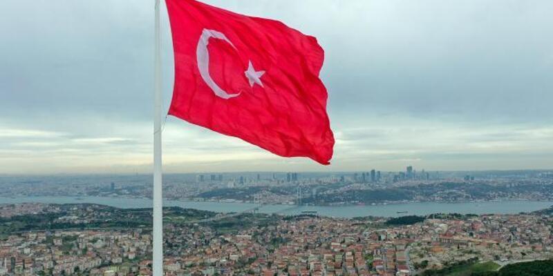 Türkiye'nin en büyük bayrakları Boğaz'da dalgalanacak