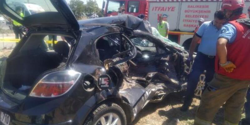 Bandırma-Gönen yolunda kaza: Anne ile kızı öldü, 4 yaralı