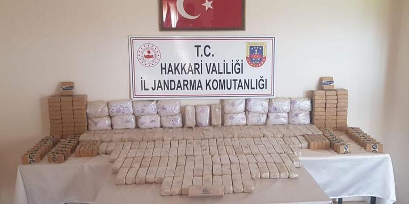 Hakkari'de toprağa gömülü 191 kilo eroin ele geçirildi
