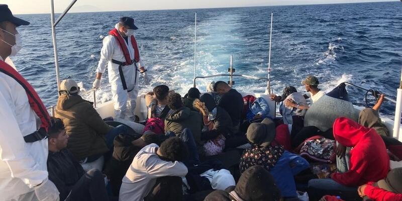 İzmir'de 122 düzensiz göçmen yakalandı