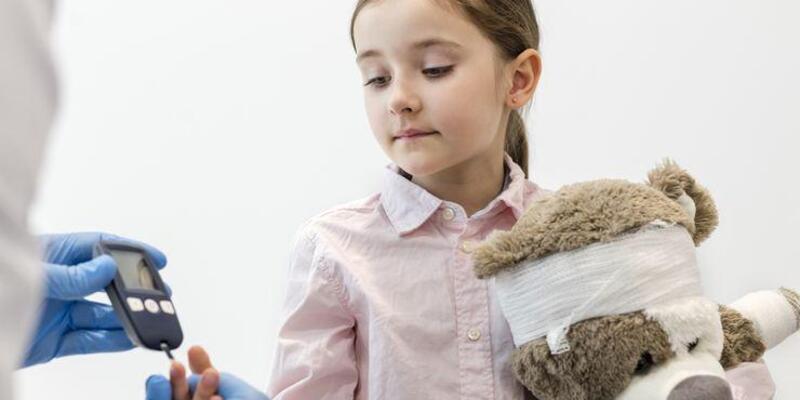 Çocukluk çağında yaşanan diyabet hayati tehlikeye yol açabilir
