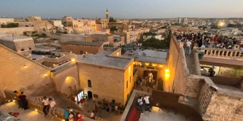 Midyat'ta koronavirüs vakaları artan 10 kırsal mahalleye karantina