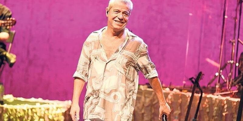 Levent Yüksel, Harbiye'de konser verdi