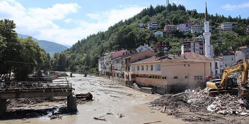 Sel felaketince can kaybı 82'ye çıktı
