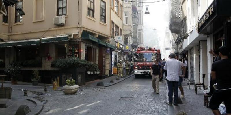 Beyoğlu'nda dar sokaklar ve uygunsuz parklar nedeniyle yangına gecikmeli müdahale