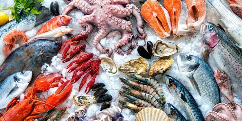 Sosyal medyadaki 'Deniz ürünleri yemek haram mı?' tartışması sonrası Diyanet'ten açıklama