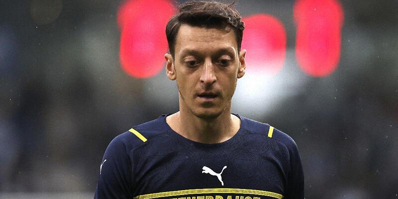 Son dakika... Fenerbahçe'de Mesut Özil şoku!