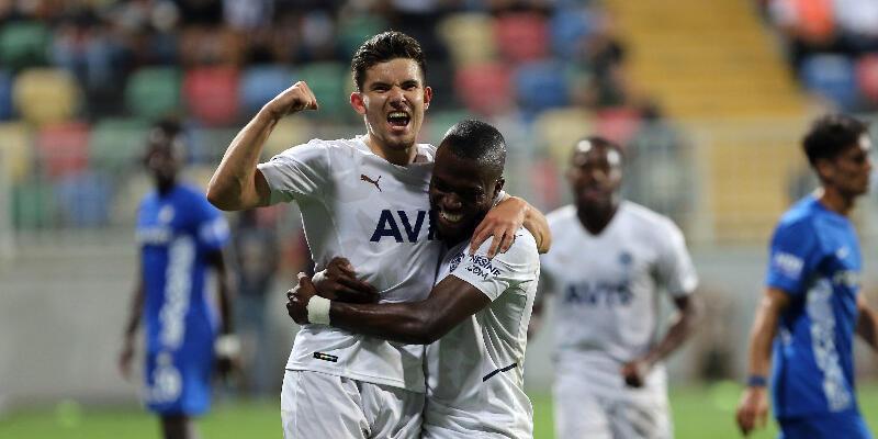 Ferdi Kadıoğlu gol ve asisti Vitor Pereira'ya armağan etti