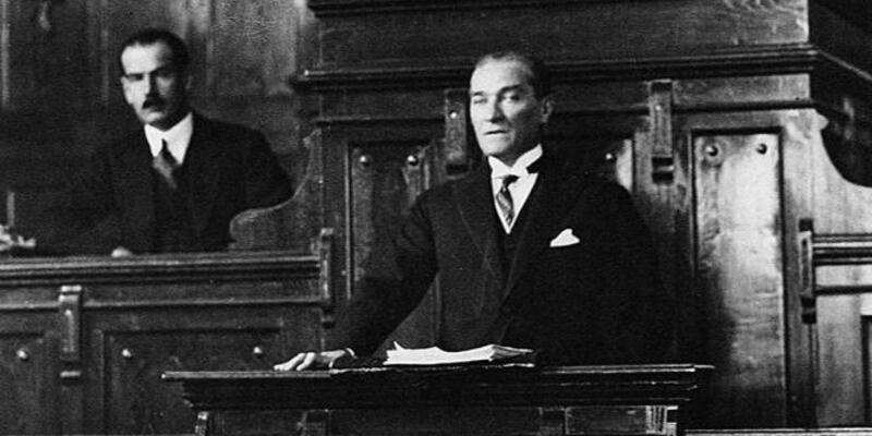 Mustafa Kemal Atatürk'ün ağzından cephedeki ibret sahnesi