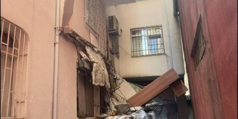 Güngören'de balkon çöktü; 5 katlı bina mühürlenerek boşaltıldı