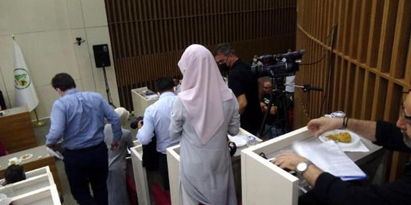AK Parti'li meclis üyelerinden Tanju Özcan'a 'anı' tepkisi