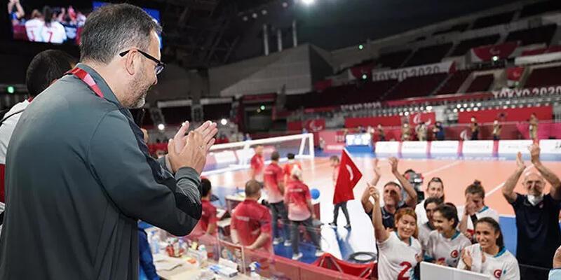 Bakan Kasapoğlu: Spor tarihimizde elmas gibi parlayacak pek çok başarıya Tokyo'da imza attık