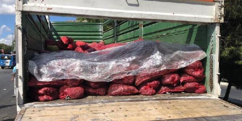 Halde kaçak avlanan 6 ton midye yakalandı