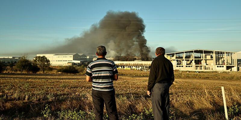 Silivri'de plastik üretimi yapan fabrikada yangın