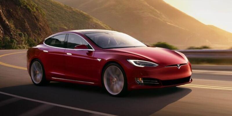 Tesla çip krizi şimdilik ertelendi