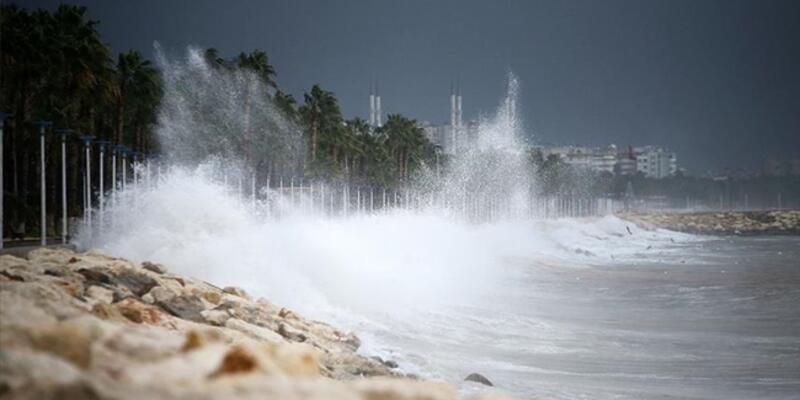 Şile'de vatandaşlara uyarı: Denize girmeyin