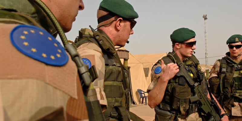 """İsveç, """"AB ordusu"""" planına soğuk bakıyor"""