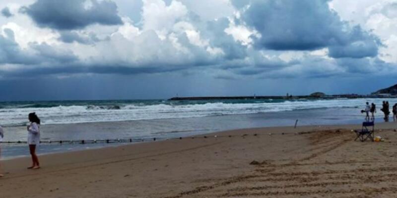 Beykoz'da fırtına beklentisi nedeniyle denize girmek yasaklandı
