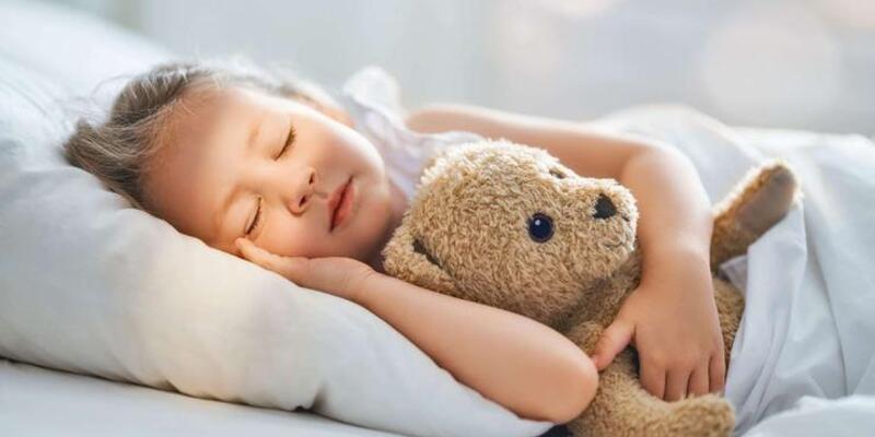 Çocuklar neden erken yatmalı? Çocuğunuz doğru saatlerde mi uyuyor?