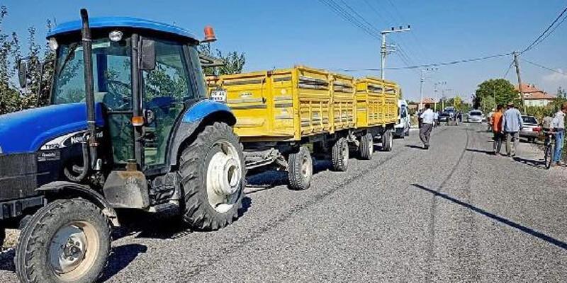 Sollamak istediği traktörün altında kalan motosikletli öldü