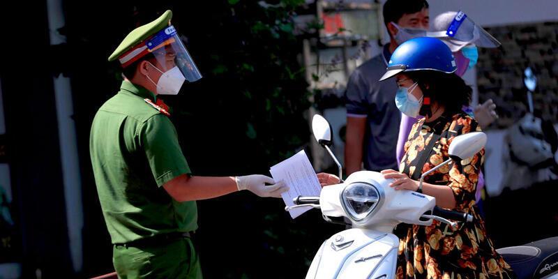 Vietnam'da bir kişi 'Covid-19'u yaydığı için' beş yıl hapis cezasına çarptırıldı