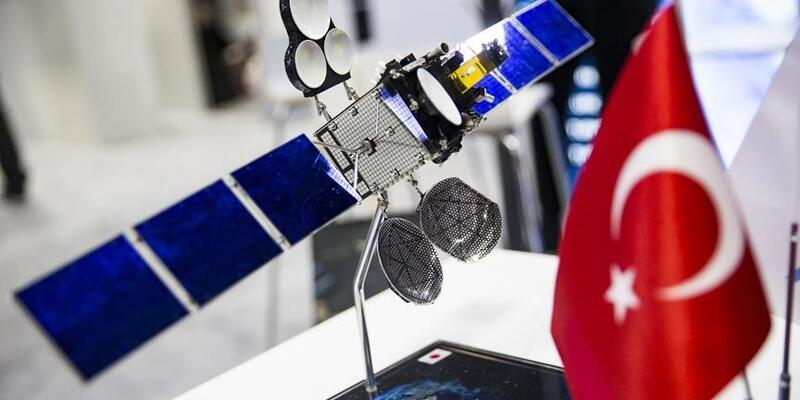 Türksat 5B uzaya çıkmadan ilk anlaşması imzalandı
