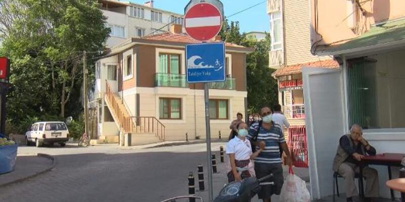 İstanbul'da 'tsunamiden kaçış' tabelaları