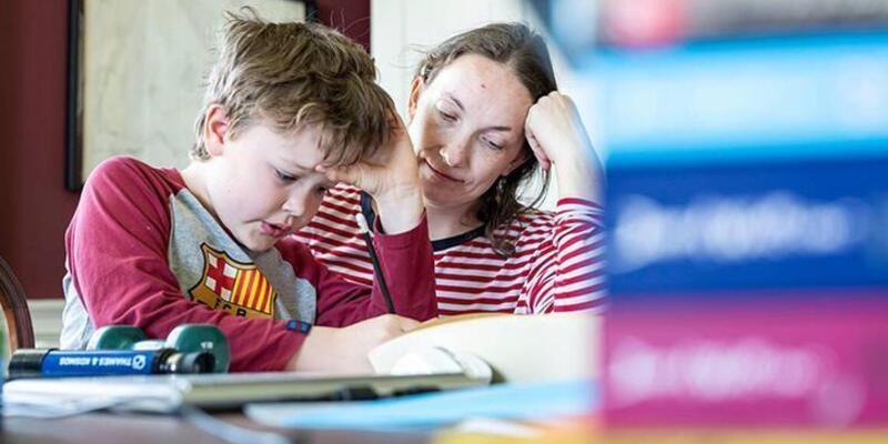 Ebeveyn kaygısı çocuğun eğitim hayatını etkileyebilir mi?