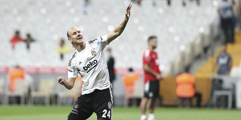 Son dakika... Beşiktaş'ta Vida ve Teixeira sakatlandı