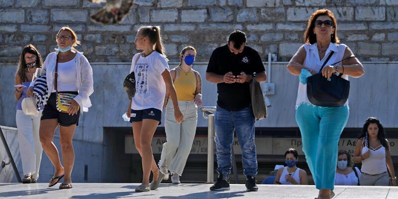 Yunanistan'da COVID-19 ile mücadele kapsamında bugünden itibaren yeni tedbirler uygulanıyor