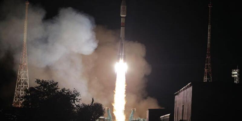 34 uydu uzaya fırlatıldı! 3,5 saatlik yolculuk başladı