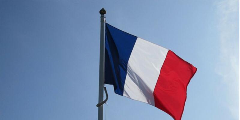 Son dakika... Fransa, Washington ve Canberra'daki Büyükelçilerini geri çağırdı