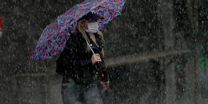 Meteoroloji uyarmıştı! İstanbul'da beklenen yağış başladı