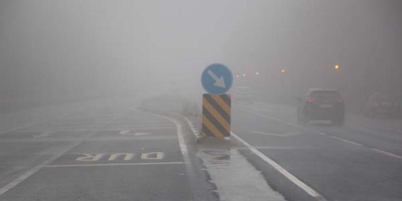 Bolu Dağı geçişinde sis ve yağış