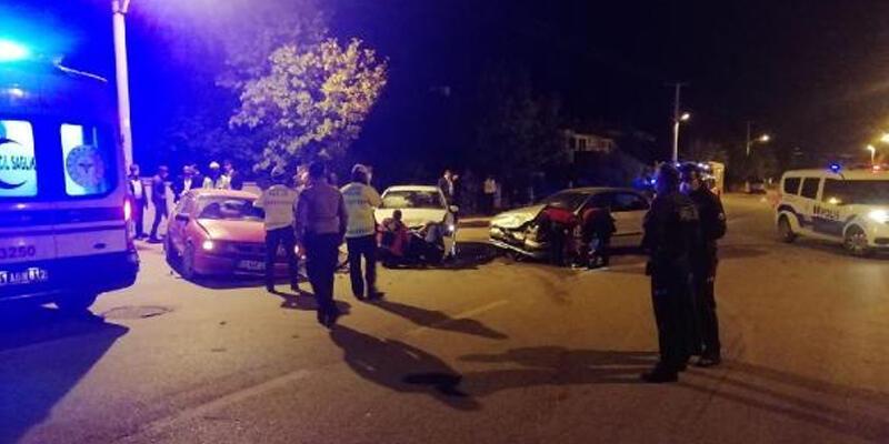 Niğde'de zincirlemeli trafik kazası: 7 yaralı