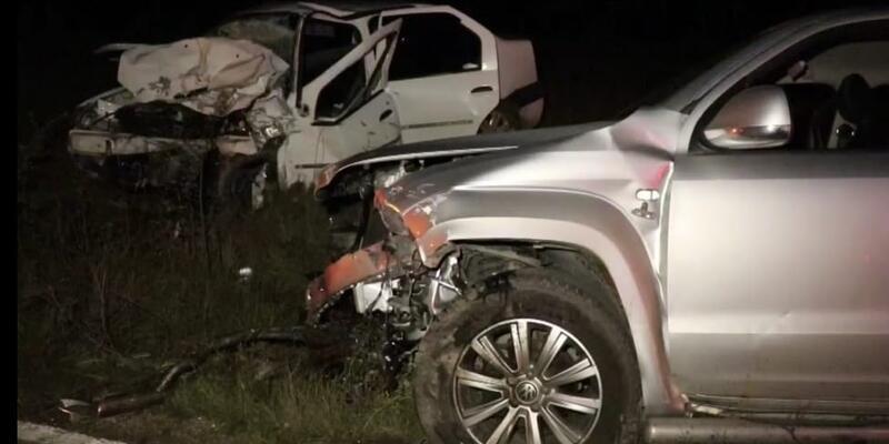 Karabük'te otomobil ile kamyonet çarpıştı: 2 ölü, 6 yaralı
