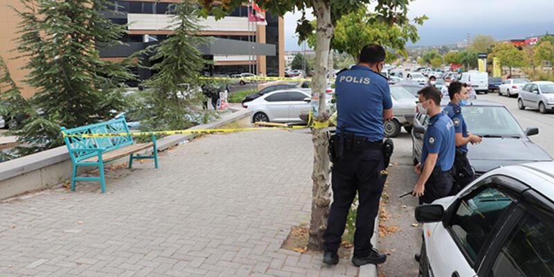 Denizli'de doktoru bıçakla yaralayan kişi kaçtı
