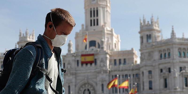 İspanya'da son 24 saatte Kovid-19'dan 100 kişi hayatını kaybetti
