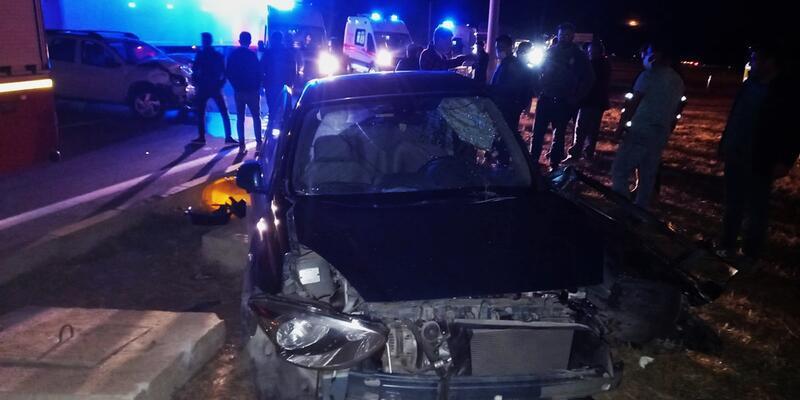 Gelibolu'da iki otomobil çarpıştı: 4 yaralı